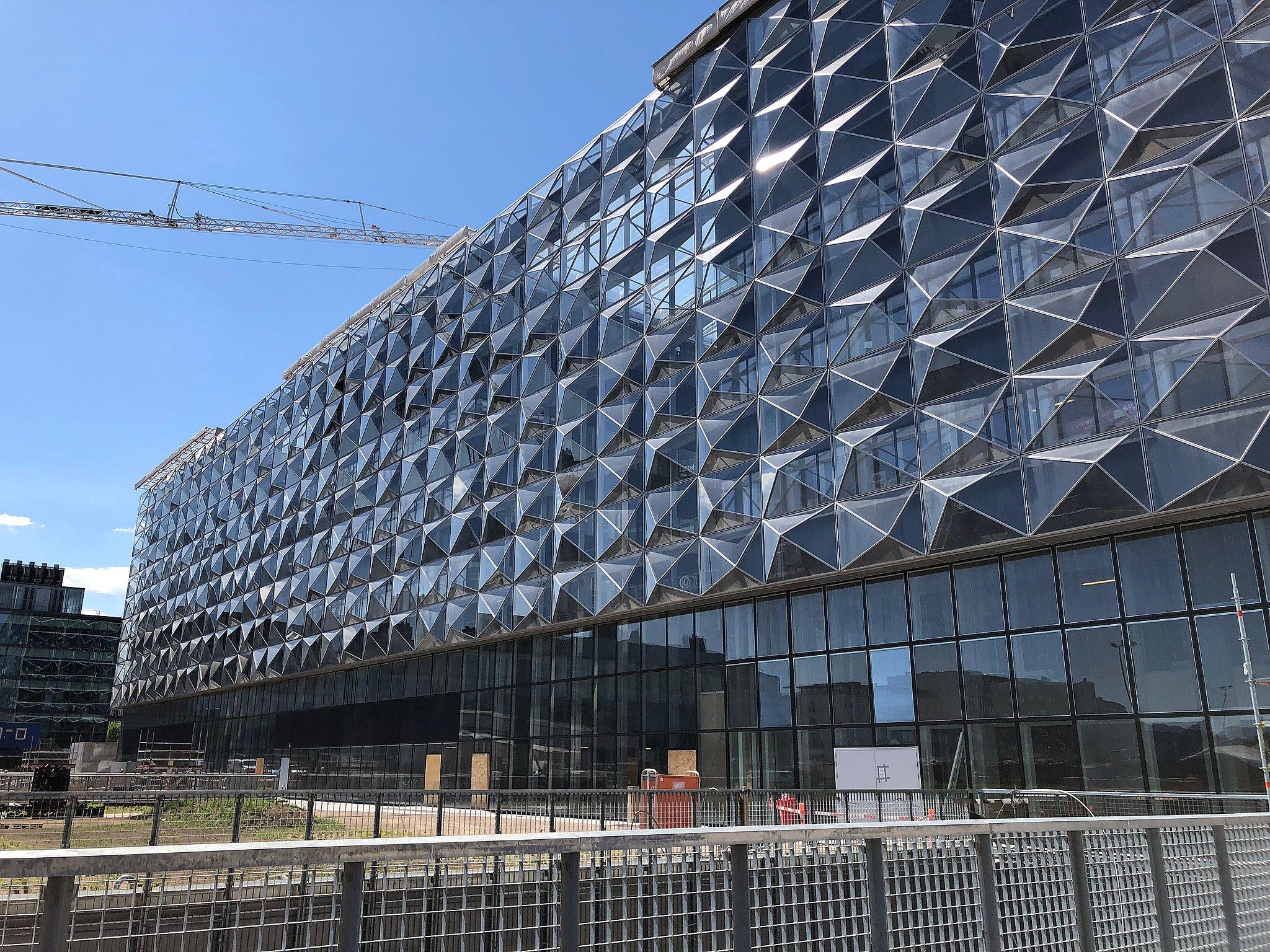 Niels Bohr Bygningen i København er kåret som det syvende værste nybyggeri i Danmark.